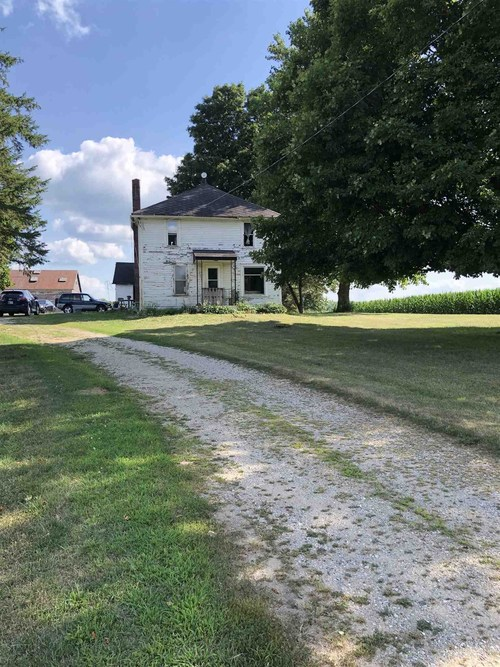 4401  State Road 10 Road Bourbon, IN 46504-9549 | MLS 201933784