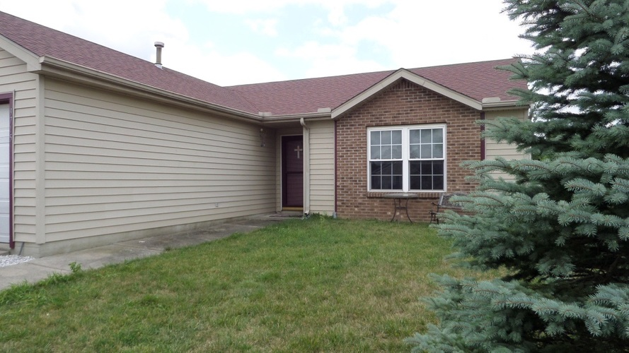 9715 Rio Canyon Court Fort Wayne, IN 46825   MLS 201933933   photo 1