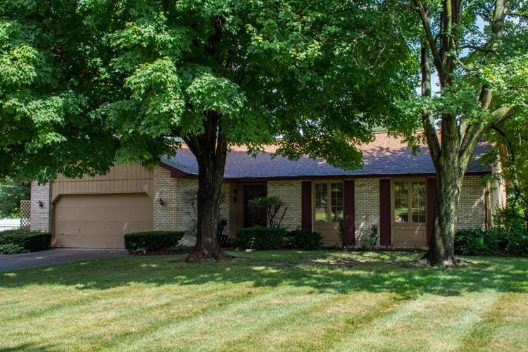 18891 Apache Drive South Bend, IN 46637-4504 | MLS 201933981 | photo 1