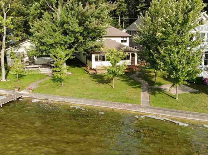 370 E Clear Lake Drive Fremont, IN 46737-7202 | MLS 201934000