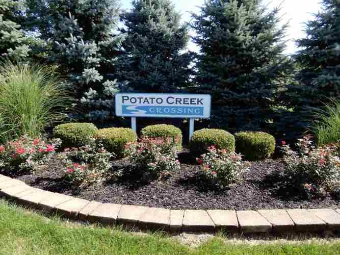 401 Potato Creek Drive #14 North Liberty, IN 46554 | MLS 201934234 | photo 2