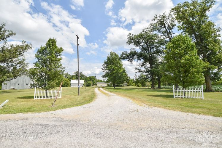 7910 N County Road 850 E N Parker City, IN 47368 | MLS 201934324 | photo 3
