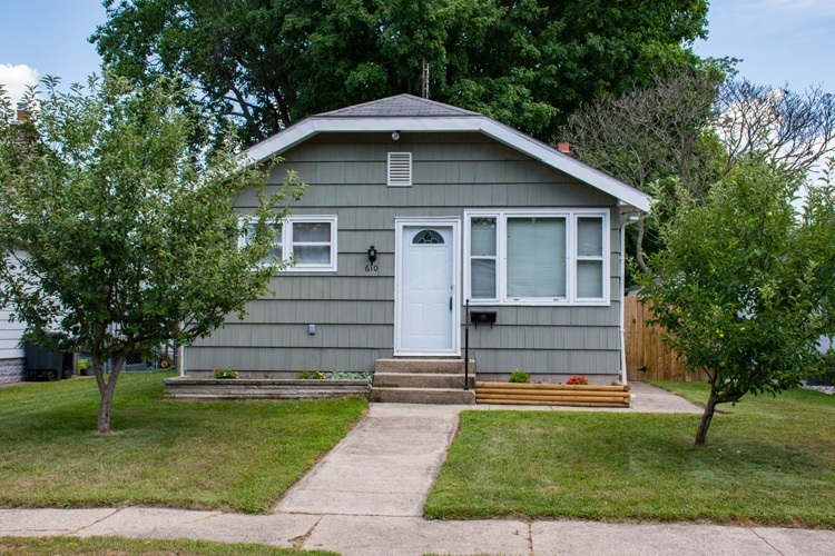 610 S 31st Street S South Bend, IN 46615   MLS 201934375   photo 1