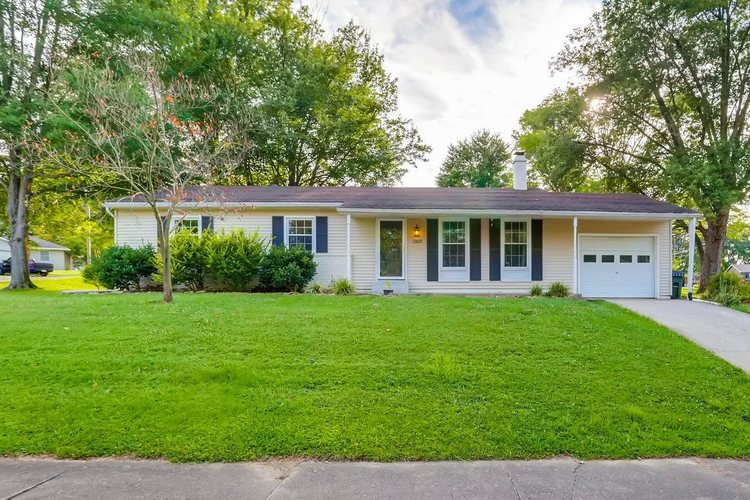 1303 S First Street Boonville, IN 47601   MLS 201934593