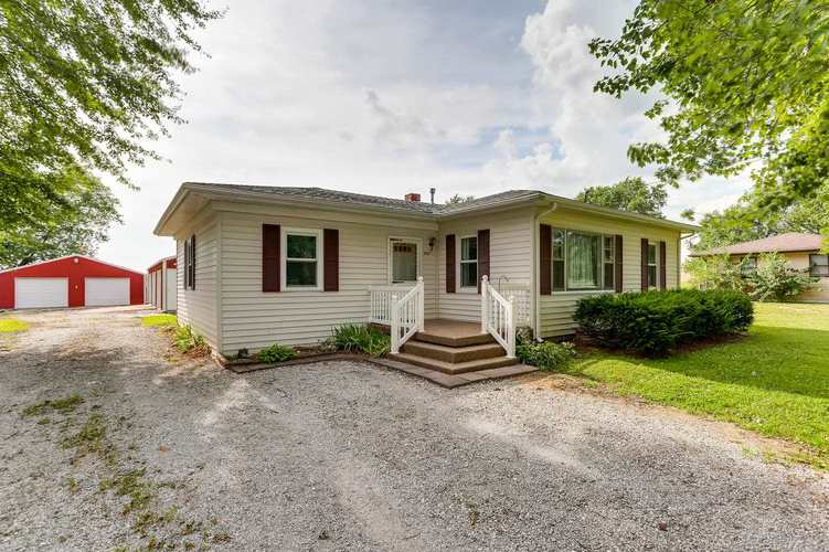3227 E State Road 62 Road E Boonville, IN 47601   MLS 201934600   photo 1
