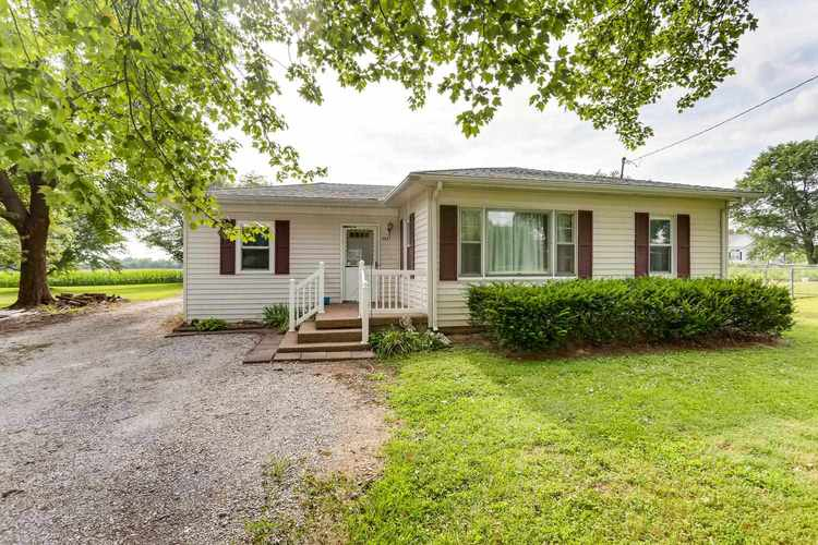 3227 E State Road 62 Road E Boonville, IN 47601   MLS 201934600   photo 2