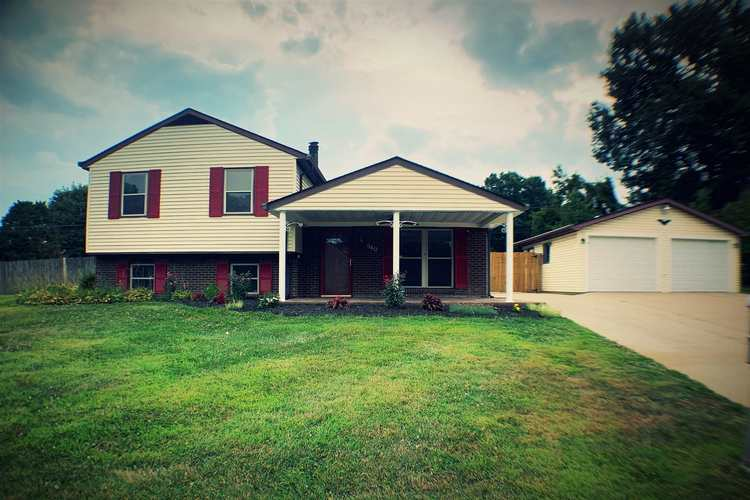 940 Camelot Court Jeffersonville, IN 47130-4902   MLS 201934689   photo 1