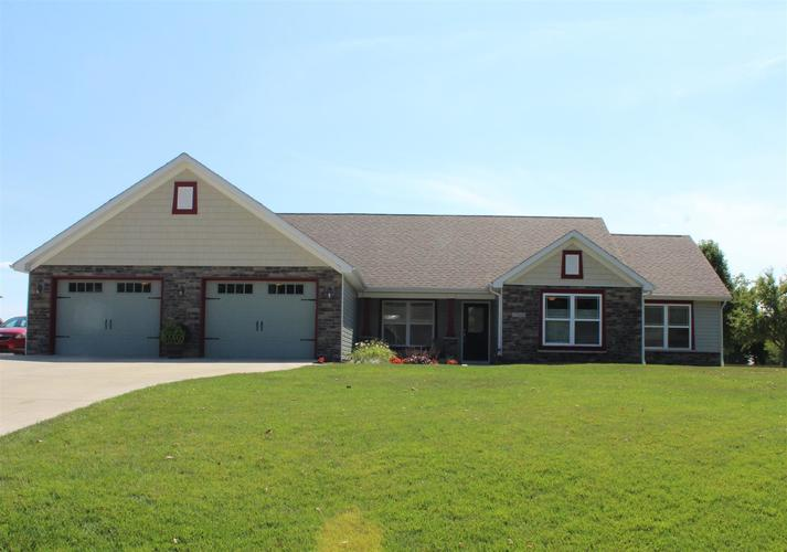 12068 W Clearwater Drive Monticello, IN 47960 | MLS 201934734