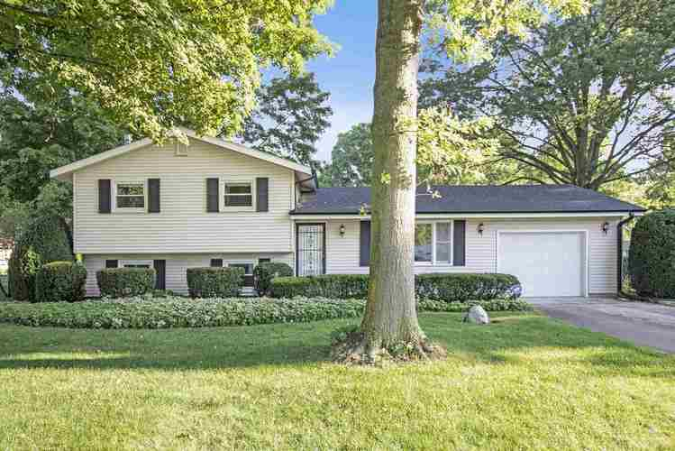 20321 Johnson Road South Bend, IN 46614 | MLS 201934826 | photo 1