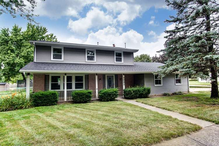 2021  Coronet Drive Fort Wayne, IN 46815-7405 | MLS 201935302