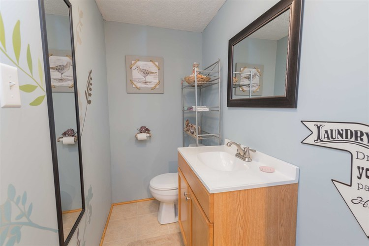 1307 Canterbury Drive South Bend, IN 46628-1214 | MLS 201935335 | photo 22