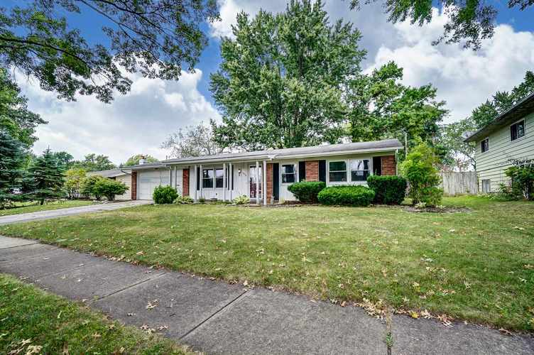1016 Hollyhill Drive Fort Wayne, IN 46819-1441 | MLS 201935399 | photo 2