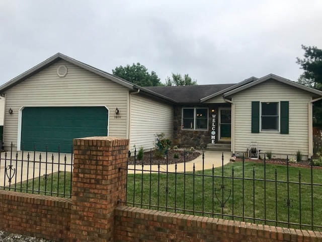 1019 E North Winds Drive Warsaw, IN 46582-7650 | MLS 201935568