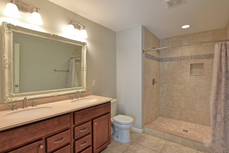 19041 Southampton Drive Evansville, IN 47725 | MLS 201935595 | photo 8