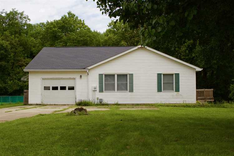 504 S Main Street South Whitley, IN 46787 | MLS 201935944