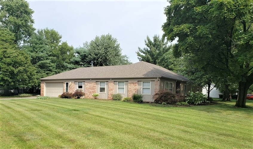 2946  Greenbriar Drive Fort Wayne, IN 46804 | MLS 201935987
