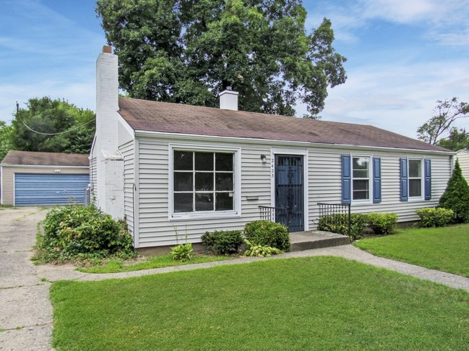 2423  Woodmont Drive South Bend, IN 46614-1642   MLS 201935992
