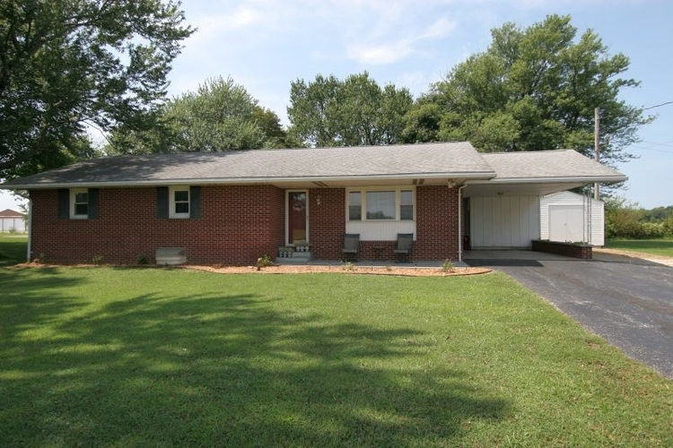 1633 N State Road 257  Otwell, IN 47564 | MLS 201936594
