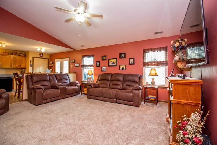 1604 Brittany Cove Fort Wayne, IN 46845-9558   MLS 201936838   photo 4