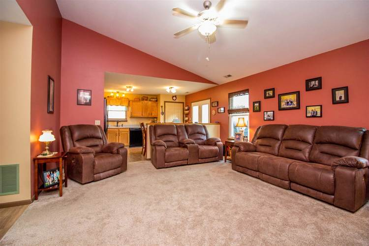 1604 Brittany Cove Fort Wayne, IN 46845-9558   MLS 201936838   photo 5