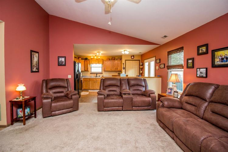 1604 Brittany Cove Fort Wayne, IN 46845-9558   MLS 201936838   photo 6