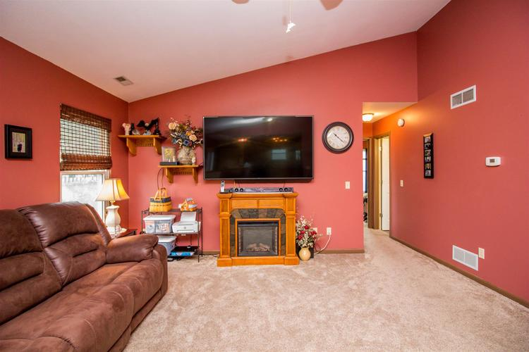 1604 Brittany Cove Fort Wayne, IN 46845-9558   MLS 201936838   photo 7