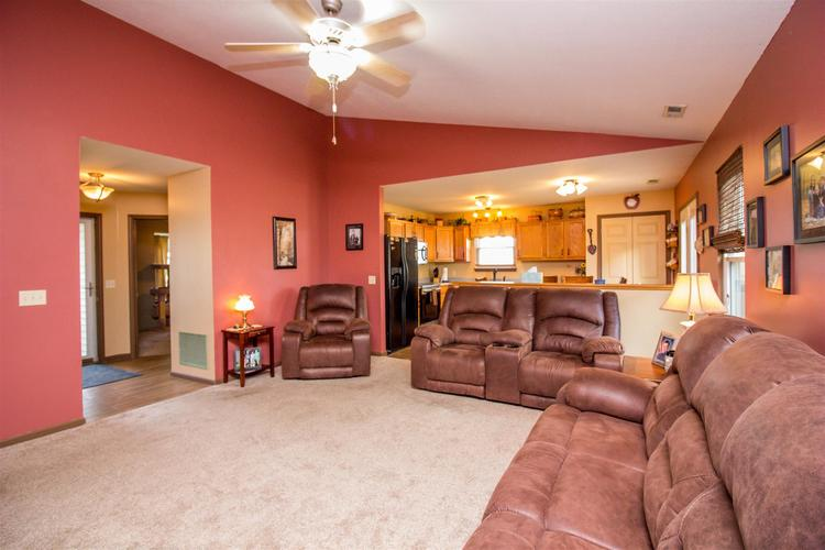 1604 Brittany Cove Fort Wayne, IN 46845-9558   MLS 201936838   photo 8