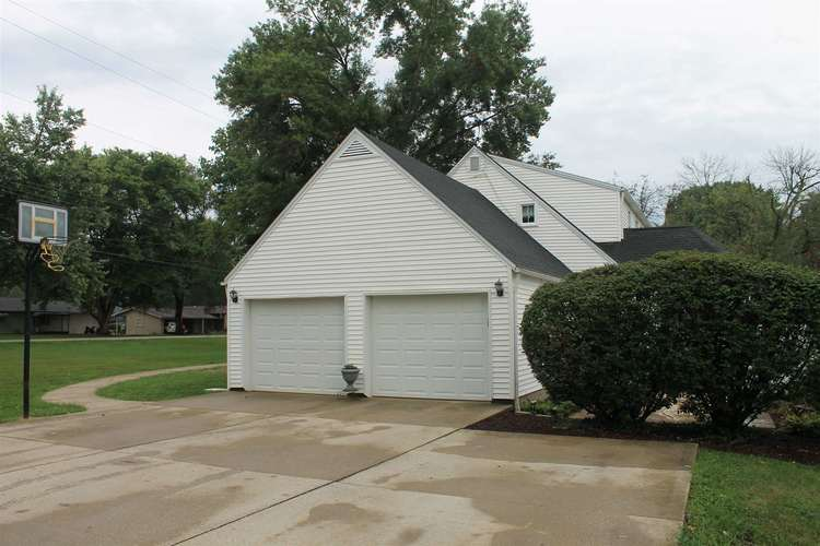 2144 W Country Club Road W Crawfordsville, IN 47933 | MLS 201936845 | photo 7