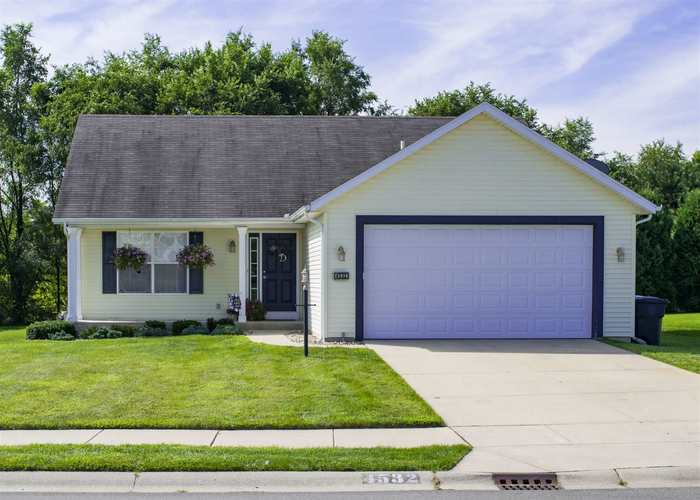 4532 Acacia Place South Bend, IN 46628 | MLS 201936949 | photo 1