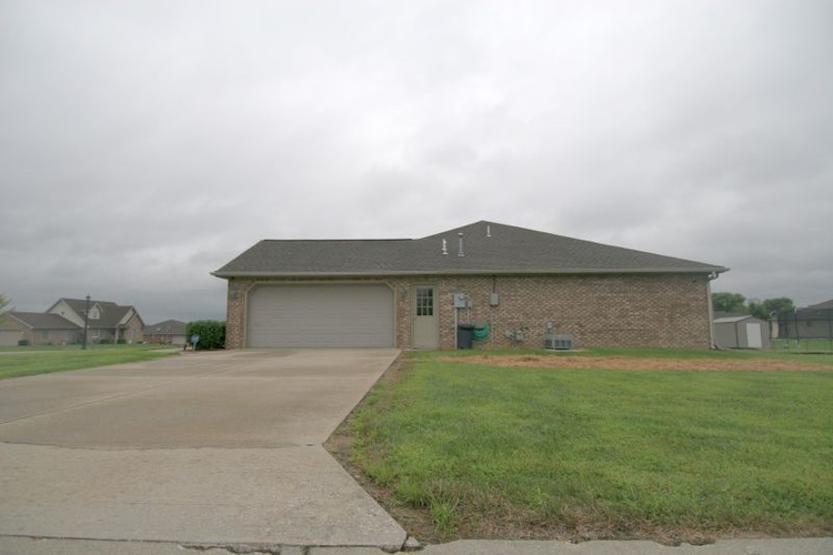 2201 N Marie Court N Huntingburg, IN 47542 | MLS 201937207 | photo 2