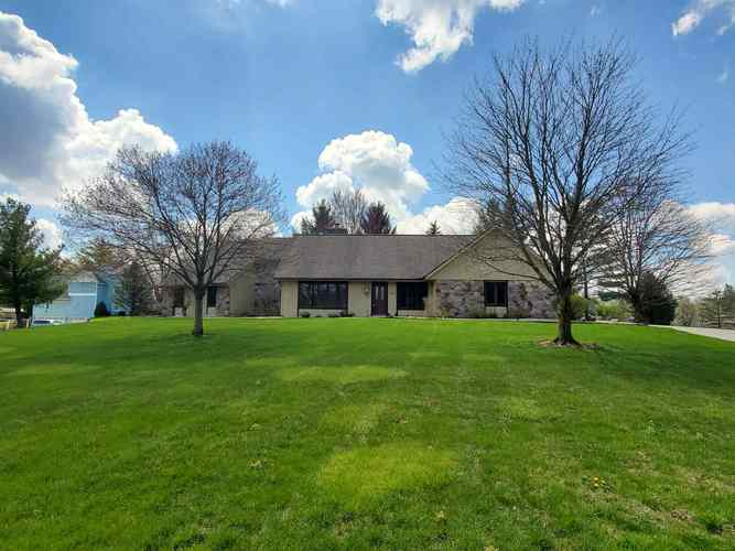 1631 N PARKVIEW Drive Marion IN 46952   MLS 201937809   photo 3