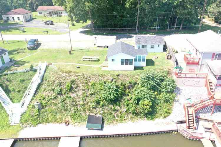 5161 N West Shafer Road Monticello, IN 47960-7138 | MLS 201937854