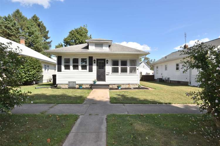 750 S 24th  South Bend, IN 46615-2114 | MLS 201938058