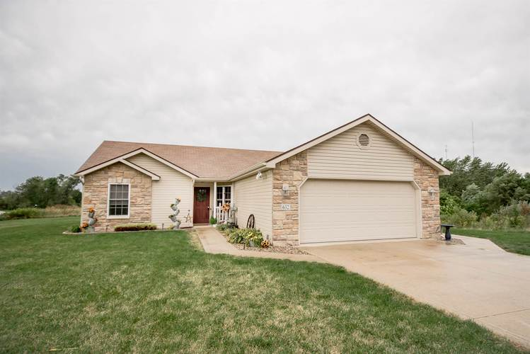 632 S Redstone Court S Columbia City, IN 46725 | MLS 201938637 | photo 1