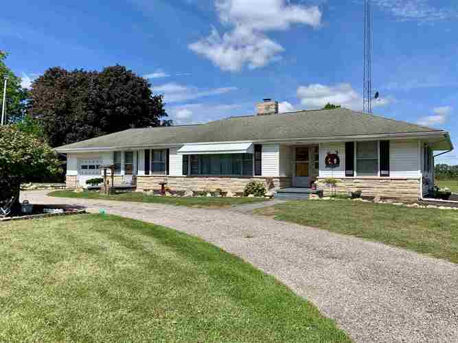 10904  State Road 10 Highway Argos, IN 46501 | MLS 201939475
