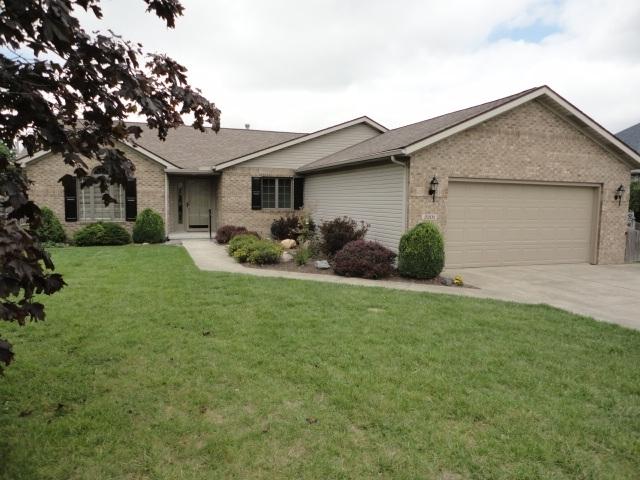 2201 N Waterbury Drive Muncie IN 47304 | MLS 201939648 | photo 1