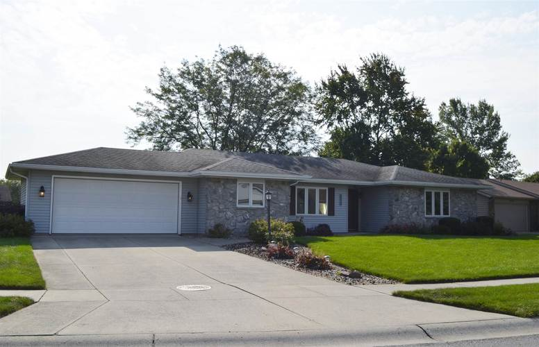 9524  Sweetwater Court New Haven, IN 46774-2712   MLS 201940129