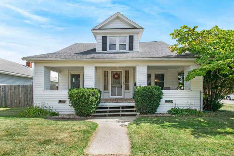 946 S 28th Street South Bend IN 46615-1856 | MLS 201940380 | photo 1