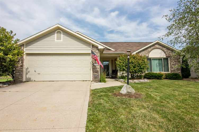 2220 Broken Oak Road Fort Wayne, IN 46818-8832 | MLS 201940399 | photo 2