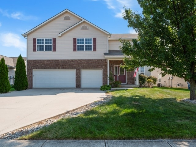 12014 Shearwater Run Fort Wayne, IN 46845-8719 | MLS 201940629 | photo 1