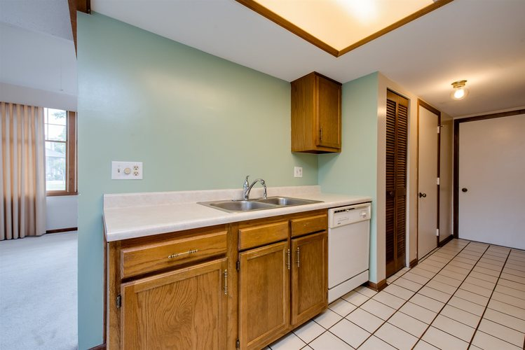 5947 Sawmill Woods Court Fort Wayne, IN 46835 | MLS 201940822 | photo 14