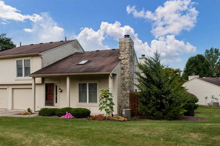 5947 Sawmill Woods Court Fort Wayne, IN 46835 | MLS 201940822 | photo 2