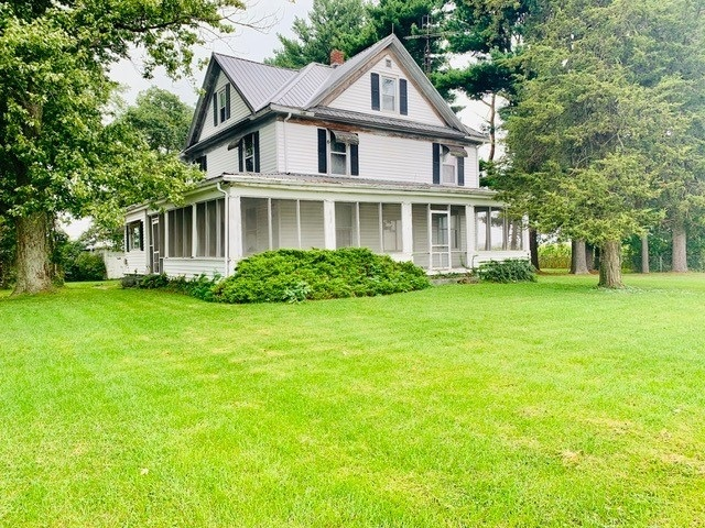 1653 S 225 East Road Winamac, IN 46996 | MLS 201940952