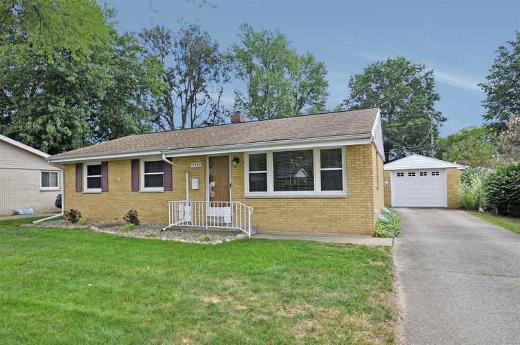 2734 Kettering Drive South Bend, IN 46635 | MLS 201941000 | photo 1