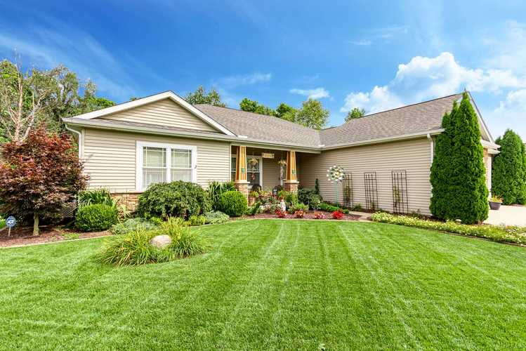 19217  Copper Brook Dr  South Bend, IN 46637-2417 | MLS 201941075