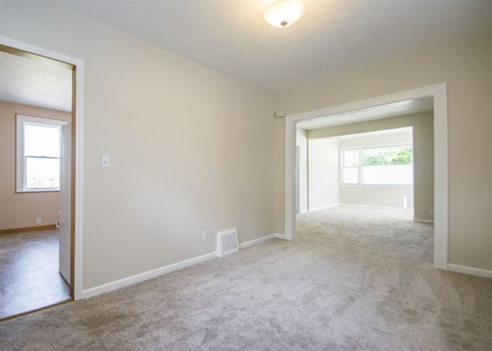 2317 S Ironwood Drive S South Bend, IN 46614   MLS 201941343   photo 7