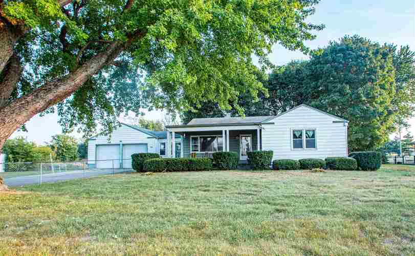 909 W St. Rd. 32 W Winchester, IN 47394 | MLS 201941503 | photo 1