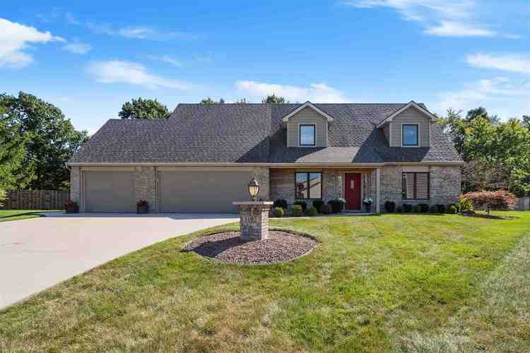 8103  Victoria Woods Place Place Fort Wayne, IN 46825   MLS 201941552