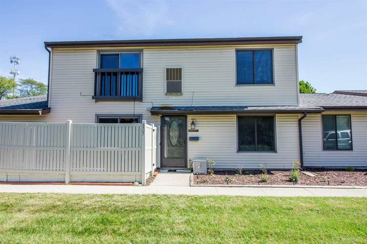 6507 Hill Rise Drive Fort Wayne, IN 46804-1523 | MLS 201941570 | photo 2