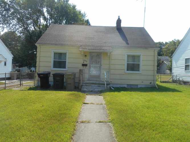 1822  Donald Street South Bend, IN 46613 | MLS 201941579